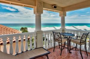 Beautiful Mediterranean Vacation Home, South of 30A in Blue Mountain Beach!!!