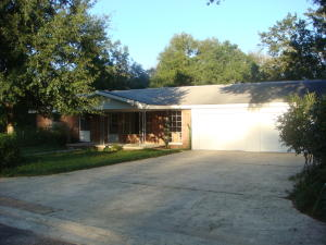298 Averitt Place, Crestview, FL 32539