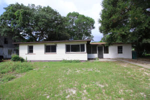 232 Hawthorne Circle, Fort Walton Beach, FL 32547