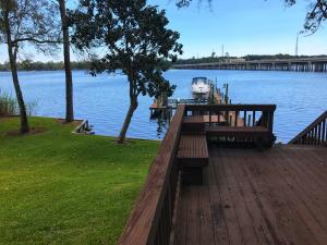 2504 Edgewater Drive, Niceville, FL 32578