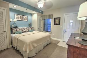 114 Carillon Market Street, 205, Panama City Beach, FL 32413