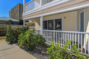 Great Beachside Condo Located in the Heart of Destin! Convenient to Shopping, Restaurants and Local Amenities!