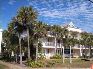 This condo location is one of the best on the beach. Right in the heart of Crystal Beach.
