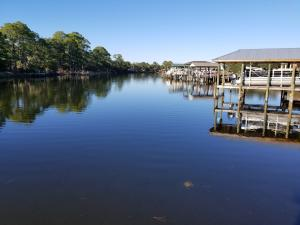 Carson Oaks offers boat ramp and storage on Mack Bayou which leads to the Bay and Gulf!