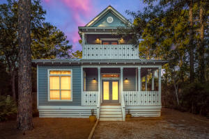 Beautiful home in Point Washington - newly painted