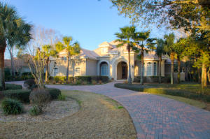 441 Captains Circle, Destin, FL 32541