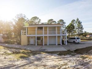 3049 W Highway 98, Mary Esther, FL 32569