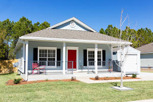 Charming home located in the quiet neighborhood of Bayou Farms