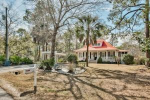 Southern Living Charm at its Best on Mallet Bayou