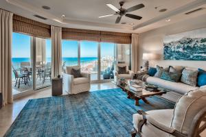 Living Area with view to gulf