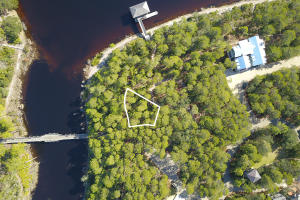 Expansive Lake Front Home Site