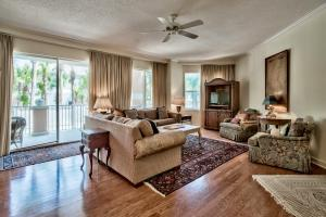 Beautiful 3-bedroom condo at the Inn at Blue Mountain Beach. This unit offers a spacious open floor plan.