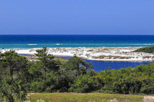 View the Gulf of Mexico from your third floor balcony.