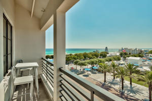 Sweeping Gulf views from your balcony!
