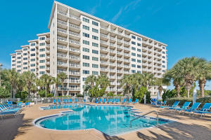 The Summit is a 65 unit, 11-story, resort complex offering a tropical pool nearby and the beach directly down the hill a short walk. Many other extras enclude a Health Club and Tennis Center.