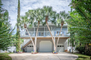 152 Oyster Lake Drive Front