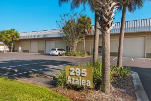 295 Azalea Drive, UNIT 2, Destin, FL 32541