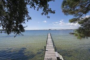 2573 Palm Shores Drive Shalimar Palm Shores Park Dock