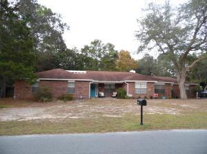 209 Oakwood Circle, Niceville, FL 32578