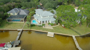 21 Paradise Point Road Road, Shalimar, FL 32579