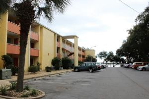 209 W Miracle Strip Parkway, UNIT B102, Mary Esther, FL 32569