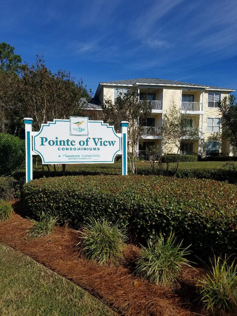 This is a spacious 2 bdrm/2 bath cond. View of Wet lands, close to Beaches, shopping and restaurants in the Grand Blvd.
