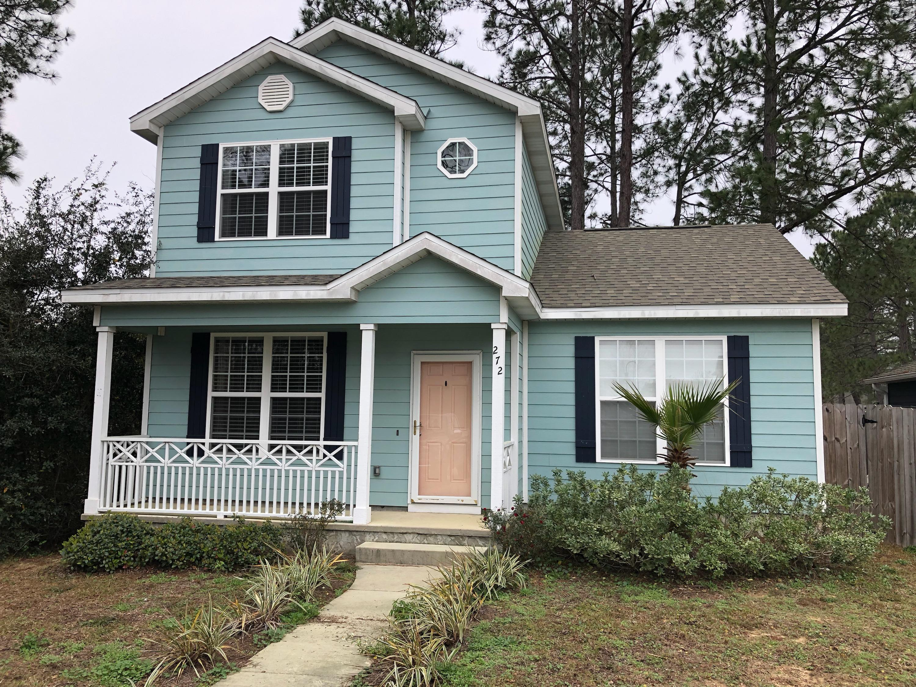 3 bedroom, 2 bath Florida cottage located in a great neighborhood.