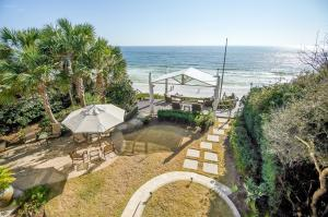 60' Gulf Front, Backyard Courtyard, Gulf Front Kazebo and Heated Pool / Lutron and Control 4 Smart Home Technology Systems [Remote/(remote/audio control lighting, music, video, security and energy] /