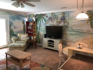 1428 Bahia Drive, E, Navarre, FL 32566