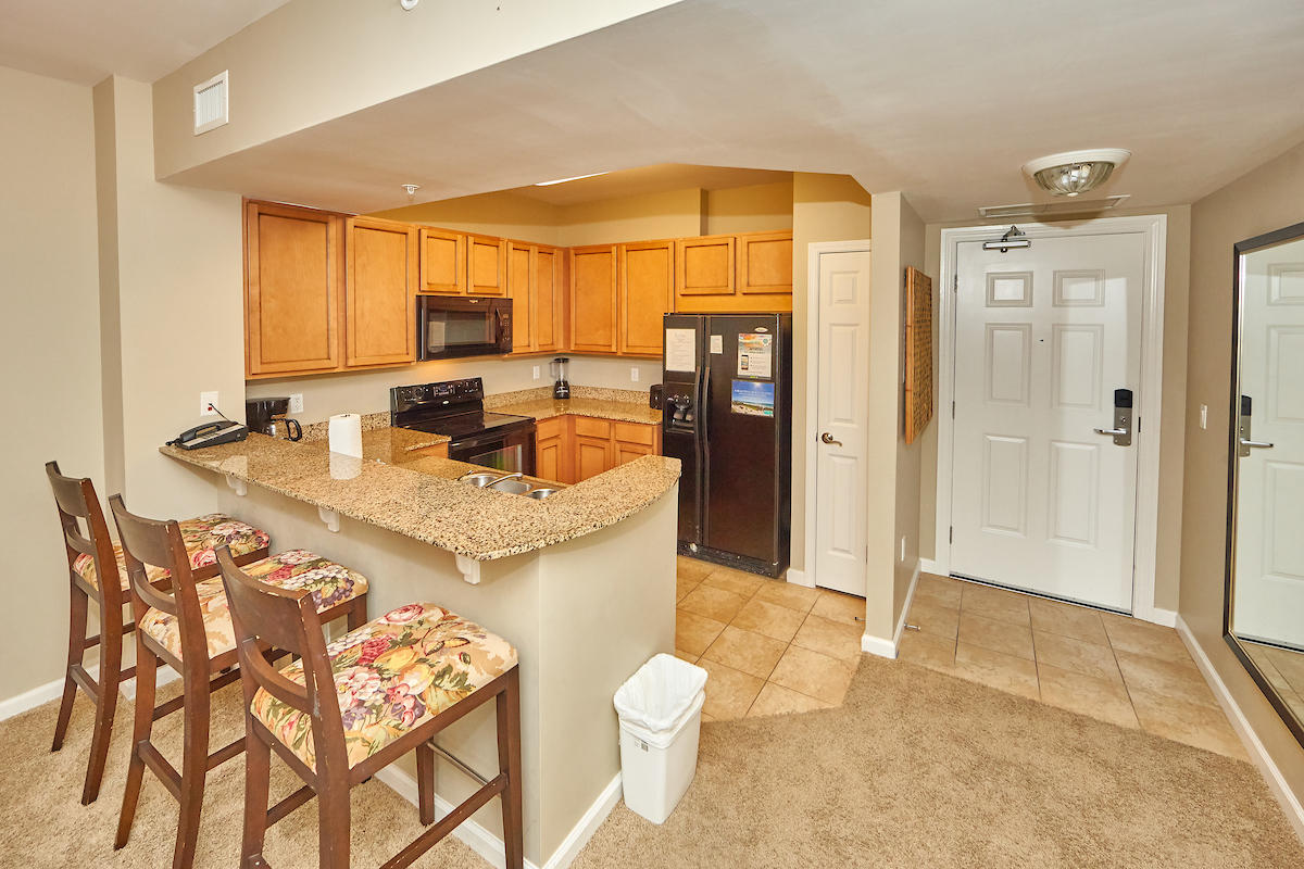 Fully furnished 2 bedroom & 2 bath unit at the beautiful Palms of Destin resort. HUGE resort style pool, tennis courts, courts, fitness center, beach shuttle & playground. Granite in the kitchen and bathrooms.