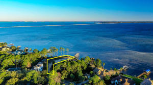 440 ADMIRAL Court, Destin, FL 32541
