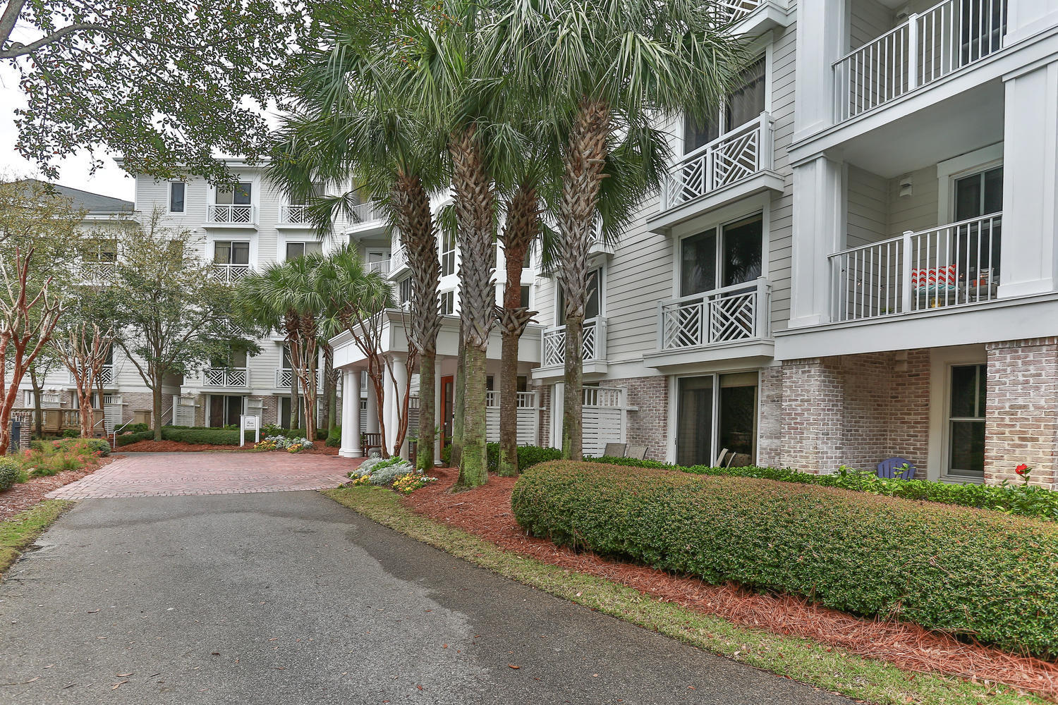 This BAY FRONT condo has impressive views from bedroom , living area and balcony. This condo has new bedroom set and headboard as well as top of the line King Mattress. This would make a fantastic investment property, Its walking distance to Baytowne and Marina.  Sandestin also offers a wide range of amenities golf, tennis, kayaking and shopping just to name a few.  We also boast some of the nicest restaurants all within walking distance or a tram ride.