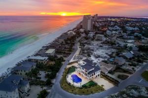 106 E Beach Drive, Miramar Beach, FL 32550