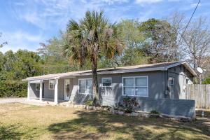 698 Blackstone Road, Mary Esther, FL 32569