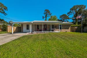 205 NE Hughes Street, Fort Walton Beach, FL 32548