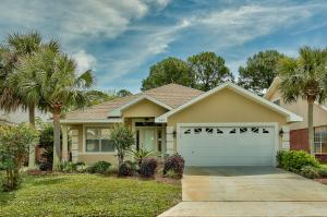 Beautiful 3-bedroom home with a spacious kitchen and two living areas located in the gated subdivision Emerald Lakes.