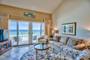 Fantastic 2-bedroom updated condo at Crystal Sands, a favorite low density complex in the Crystal Beach area of Destin. Capture breathtaking views of the emerald green waters of the Gulf of Mexico from the large sliding glass doors.