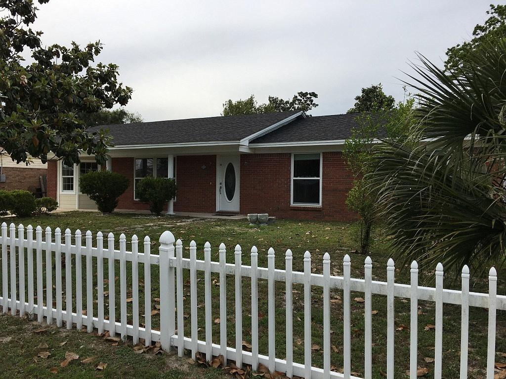 Great location, near beaches, large living, den with fireplace, eat-in kitchen plus breakfast bar, workshop 12x10, storage shed, fenced backyard, 32x11 covered porch.