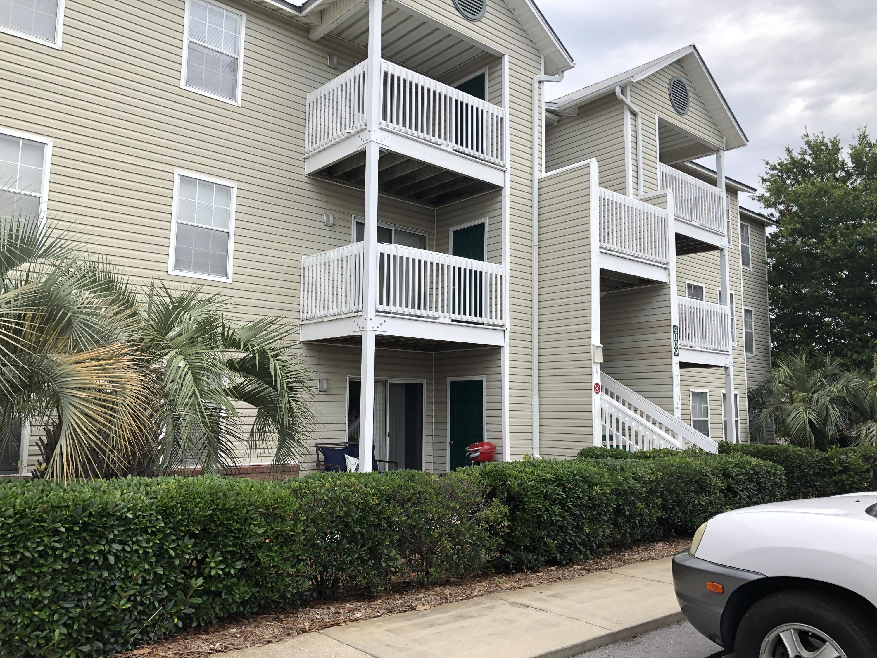 In the heart of Destin, Indian Lake features a pool, playground, and a fitness center. This 2 bedroom 2 bath third floor unit is central to everything in Destin and within about 10 to 15 minutes from Henderson Beach, Destin Commons and Destin Harbor with many great restaurants and attractions. Showings are by appointment with a 24 hour notice. This is a rental unit on a long term lease so we must work around tenant schedules.