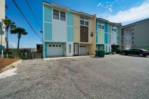 777 Sundial Court, UNIT 5, Fort Walton Beach, FL 32548