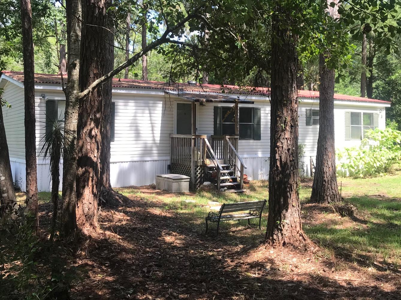 Looking for a Mobile Home with a great location with Public Access to Choctawhattchee Bay and plenty of room to expand? This home is close to HWY 331 Bridge that will take you North to the Interstate and to the Beaches of South Walton. The home faces a private road and has plenty of shade.   Easy Show so schedule your showing today.