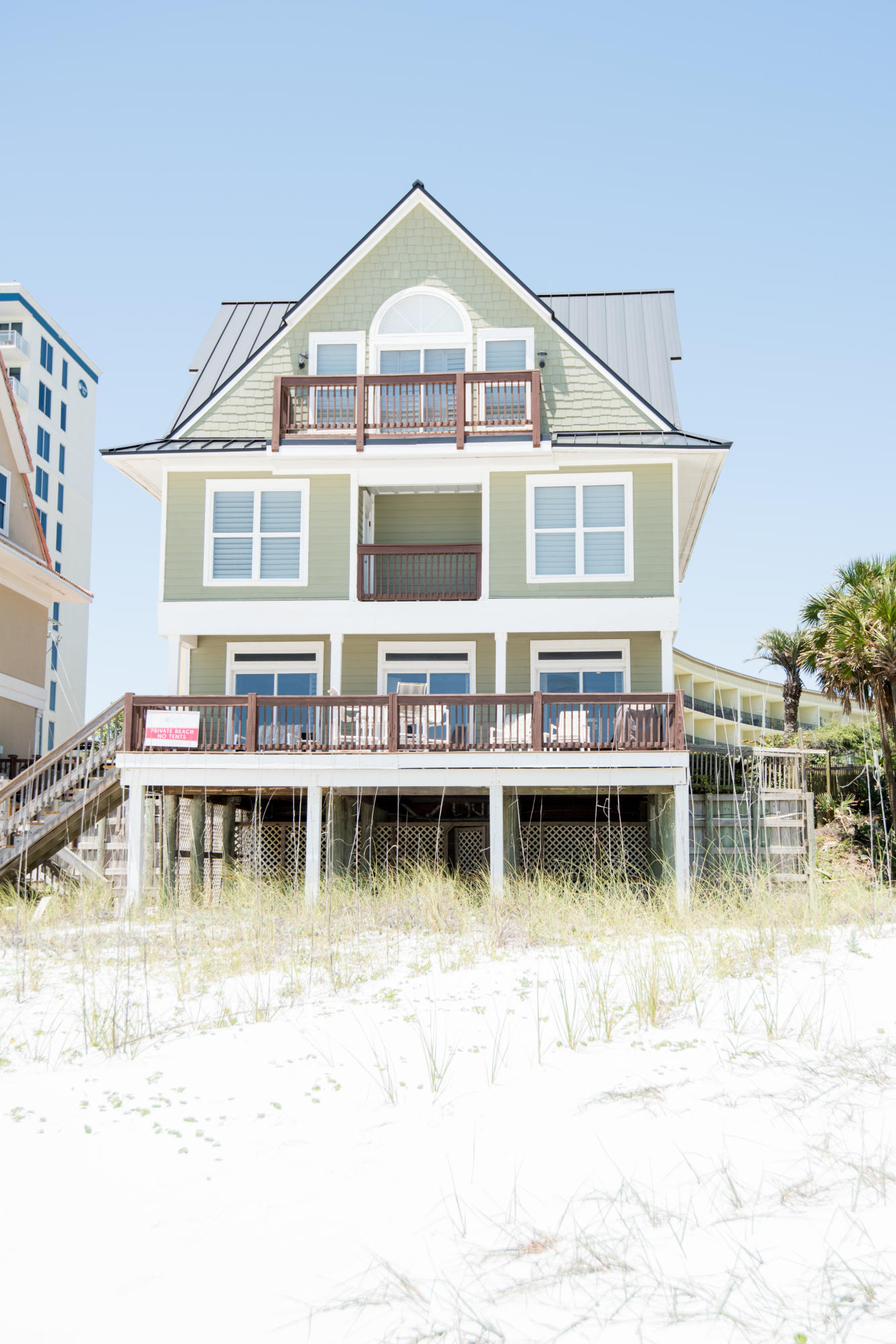 Looking for a gulf front home with breathtaking views, no association fees, and plenty of sand? This