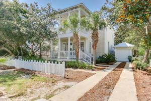 67 Sarasota Street, Miramar Beach, FL 32550