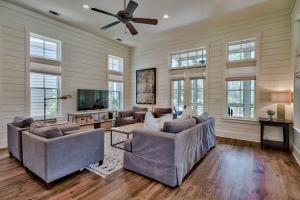 Open Floorplan with many windows and doors with lots of natural light.
