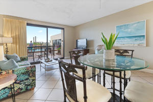 Beautiful views make dining a pleasure. This Gulf front unit is conveniently located beside the pool and right near the beach access.