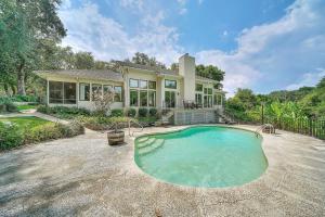 528 NW Mooney Road, Fort Walton Beach, FL 32547