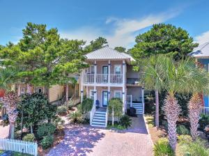 Incredible 4 bedroom home in Old Florida Village
