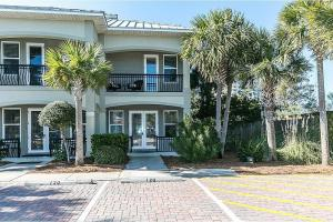 welcome to Miramar Beach Villas 120