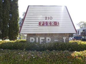 210 Pelham Road, 104B, Fort Walton Beach, FL 32547