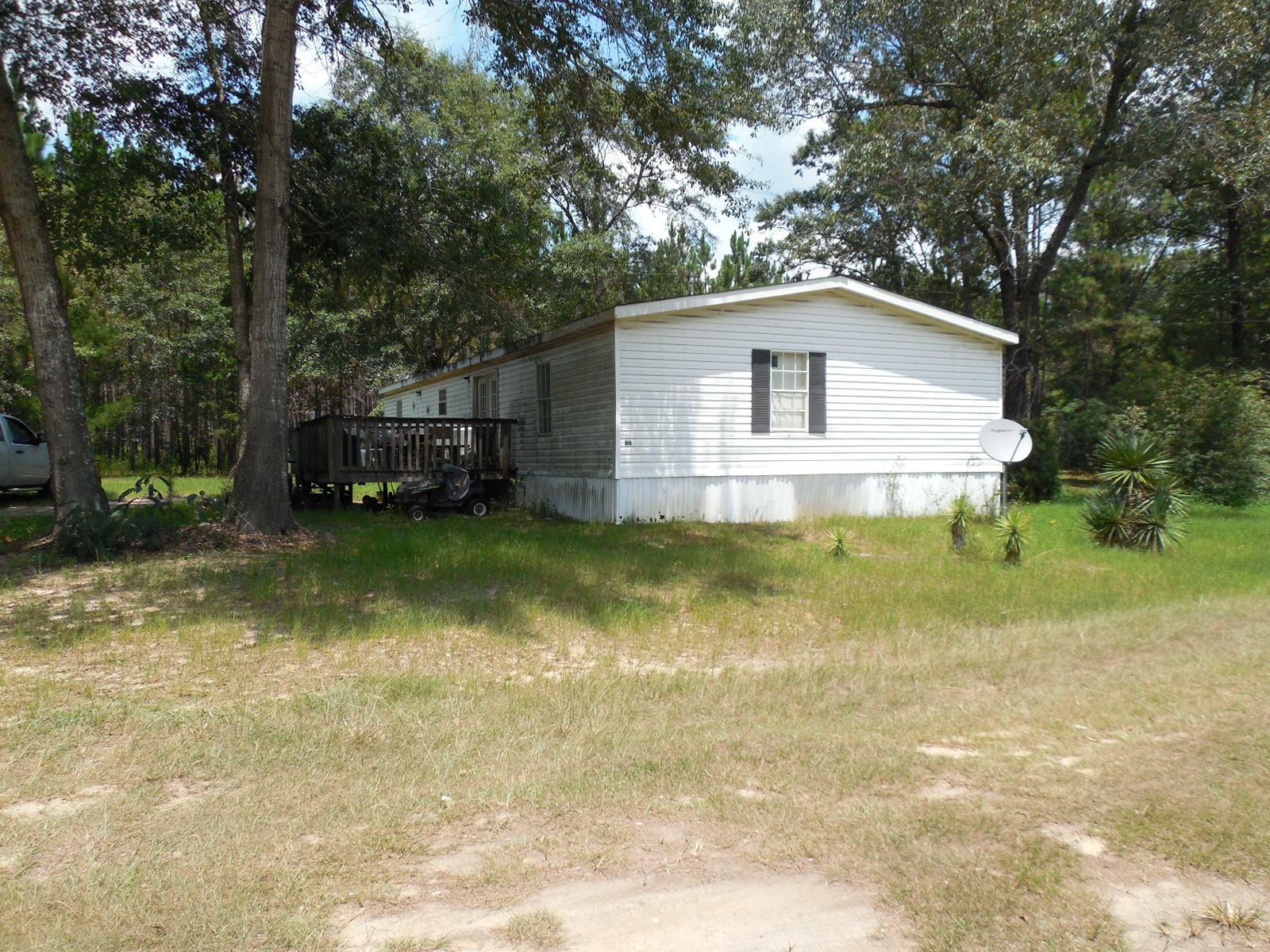 3241 N Camp Road, Century, FL 32535